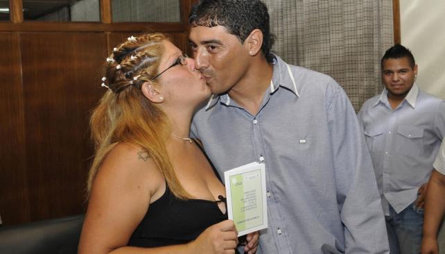 En su día. María y Jorge sellaron su amor frente a la familia y amigos (Ramiro Pereyra/La Voz).