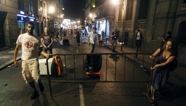 PROTESTA.  los sindicatos de empleados públicos no descartaron una huelga general en toda España (AP).