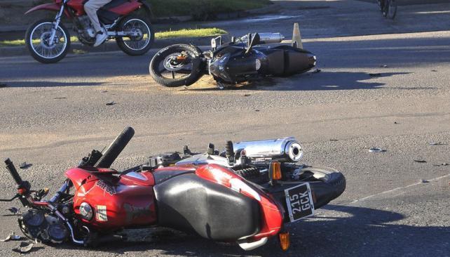Las motos siguen siendo el eslabón más débil del sistema vial (Raimundo Viñuelas / Archivo).