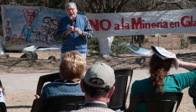Protesta. La plaza de Villa Yacanto se llenó de música y de otras manifestaciones contra la minería (LaVoz).