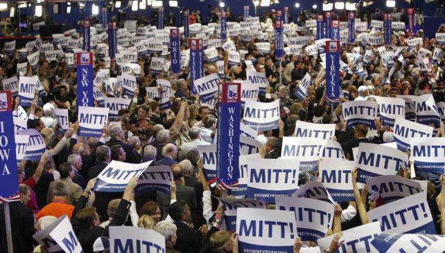 """Por aclamación. Los delegados y figuras prominentes del Partido Republicano vivaron al """"elegido"""" (AP)."""