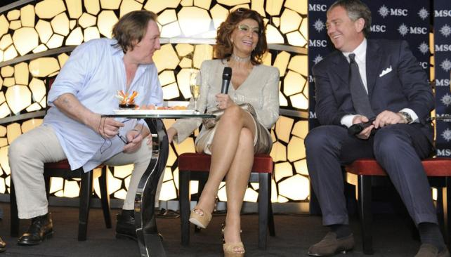 A pura sonrisa. Sofía Loren encabezó una conferencia de prensa antes de la ceremonia de botadura del crucero. La acompañaron Gérard Depardieu y Pierfrancesco Vago, CEO de MSC (Gentileza MSC).