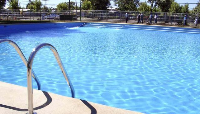 PREVENCIÓN. El agua puede convertirse en el medio de vida ideal para una gran variedad de microorganismos. Lo importante es mantener el cloro residual libre entre 0,5-1,0 ppm para que esté desinfectada. (Aguas Cordobesas)