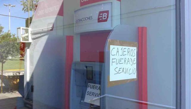 Ladrones intentaron violentar un cajero a la hora del for Cajeros automaticos banco santander