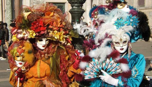 Único, como Venecia. El Carnaval de Venecia, con sus máscaras y lujoso vestuario, es una atracción que lleva miles de turistas a esa bella ciudad.