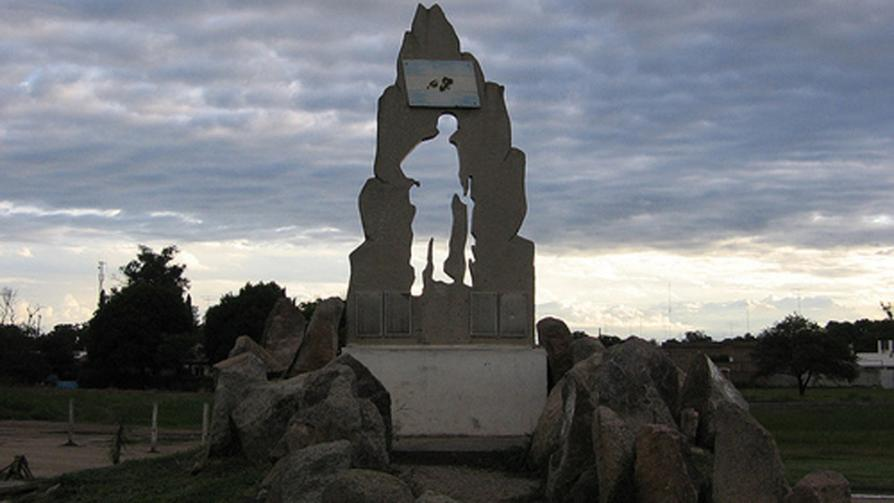 OLIVA. Homenajea a los combatientes de Malvinas.