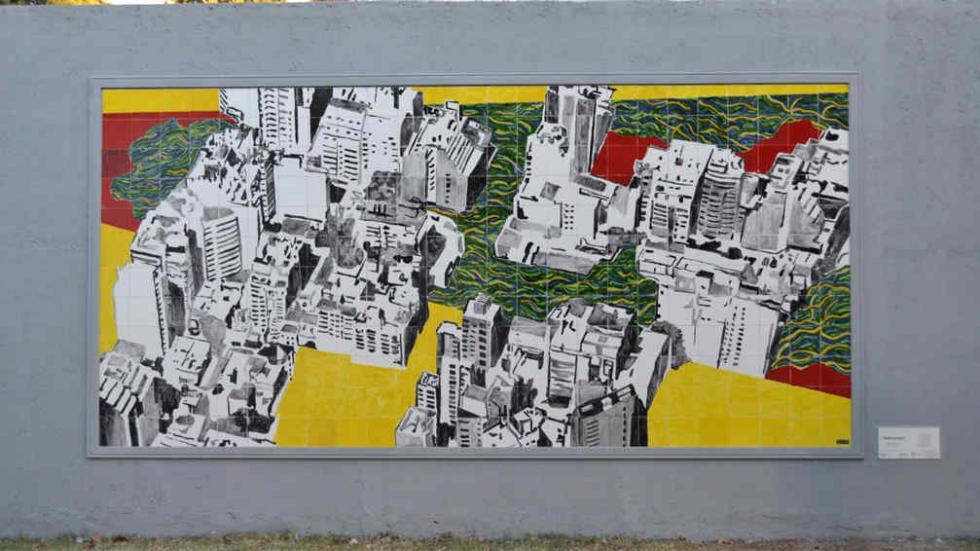 Marcos acosta concluy un asombroso mural realizado con for Ceramicos en cordoba